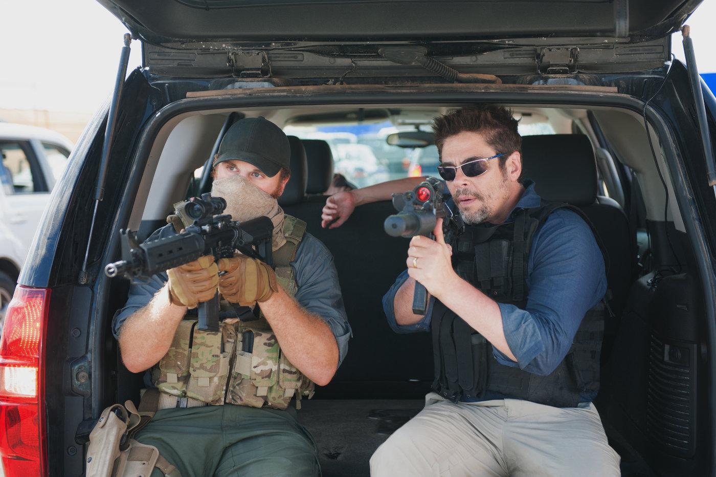 Benicio Del Toro, Emily Blunt e Josh Brolin tornano in Sicario 2