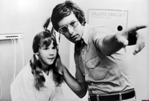 Linda Blair e William Friedkin set