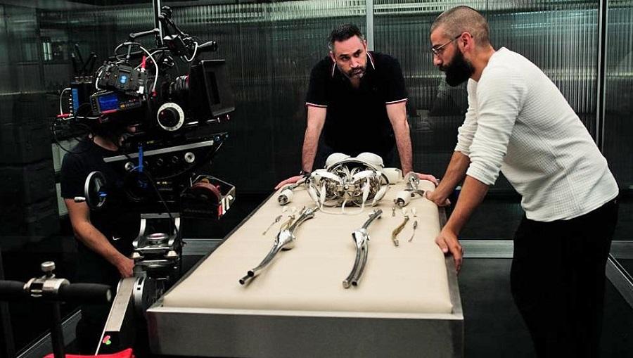 Oscar Isaac ritrova Alex Garland nel fantascientifico Annihilation