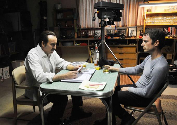 Nicolas Cage e Elijah Wood poliziotti rapinatori nel trailer di The Trust