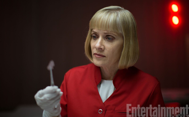 Barbara Crampton replace