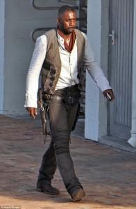 Idris Elba è Roland Deschain