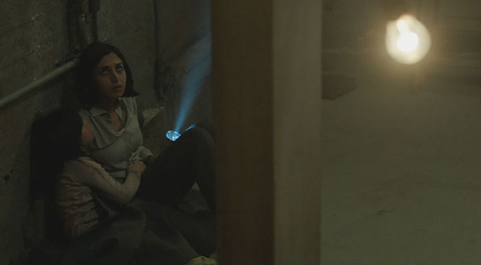 Remake lampo per l'horror iraniano Under the Shadow