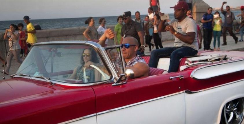 Furious 8: il dietro le quinte mostra Vin Diesel e Michelle Rodriguez a Cuba