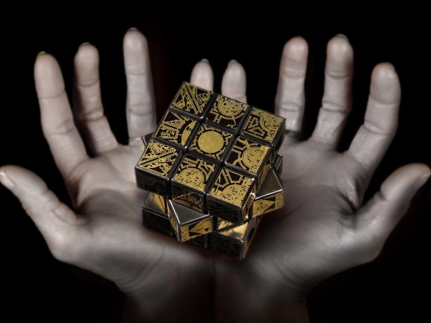 Il cubo di Rubik a tema Hellrasier promette di aprire le porte dell'Inferno
