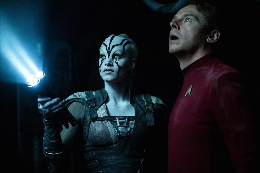 L'equipaggio si disperde nel full trailer di Star Trek Beyond