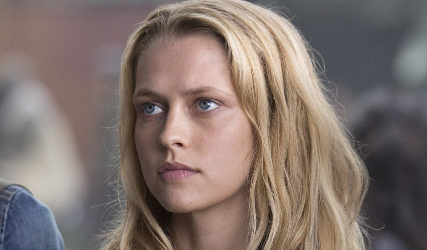Teresa Palmer protagonista del thriller sci-fi The Twisted