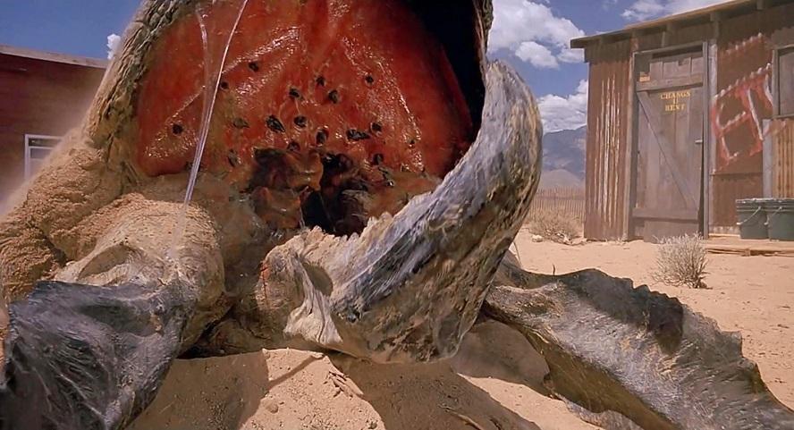 Tremors: Kevin Bacon ribadisce che la serie TV è ancora in piedi