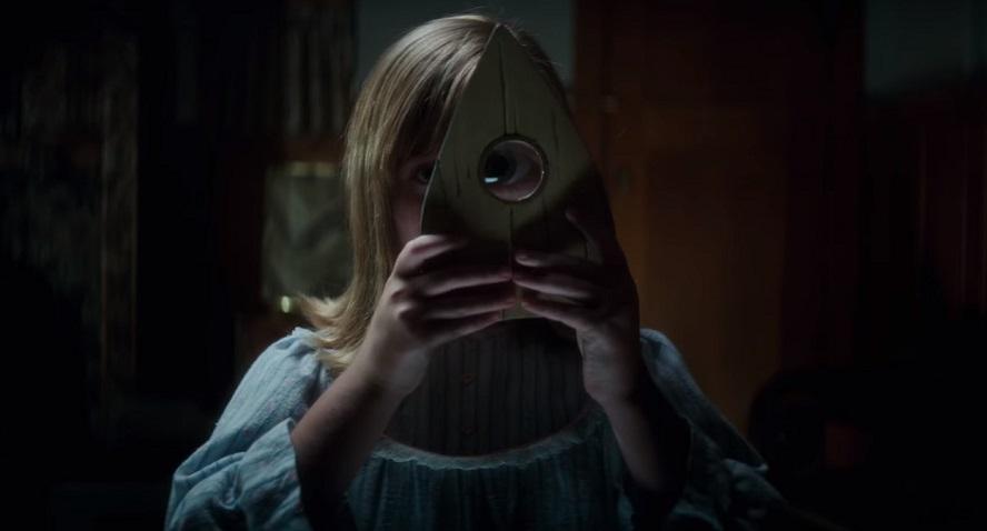 Il trailer di Ouija: L'origine del Male di Mike Flanagan ribadisce che non è un gioco