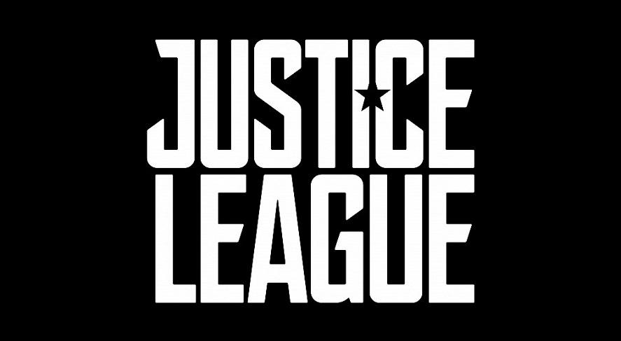Justice League: svelati logo, sinossi e immagine della Batmobile