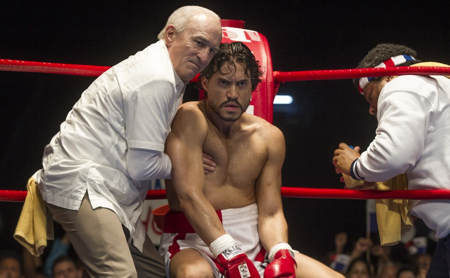 Robert De Niro ed Edgar Ramirez sul ring nel trailer di Hands of Stone