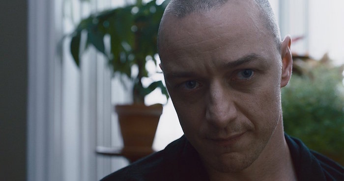 Split: James McAvoy nelle foto del thriller psicologico di M. Night Shyamalan