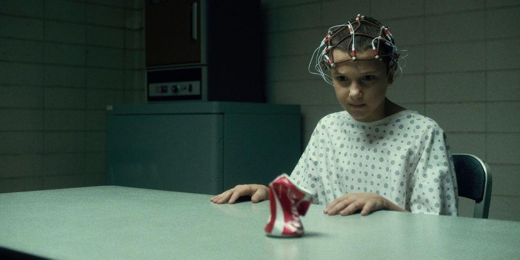 Stranger Things: Millie Bobby Brown diventa Eleven nel video del dietro le quinte