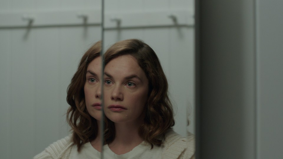 I Am the Pretty Thing That Lives in the House: prime immagini del thriller di Osgood Perkins