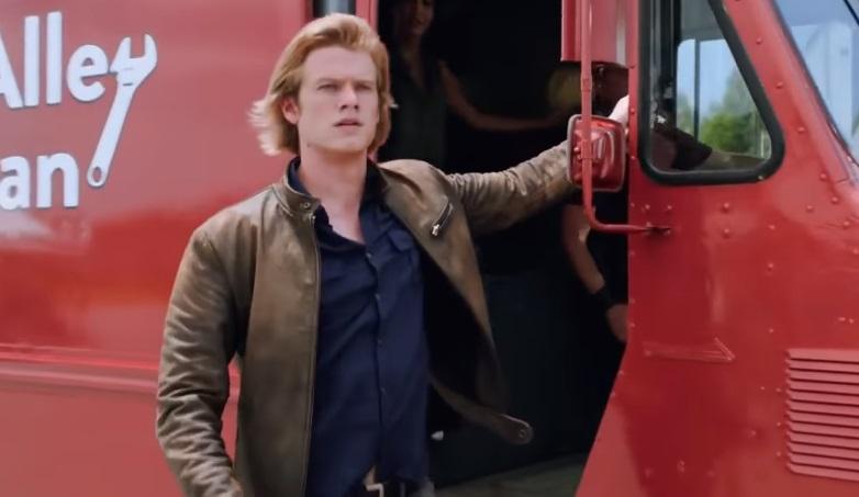 MacGyver: Lucas Till alle prese con acrobazie e invenzioni nel trailer del reboot