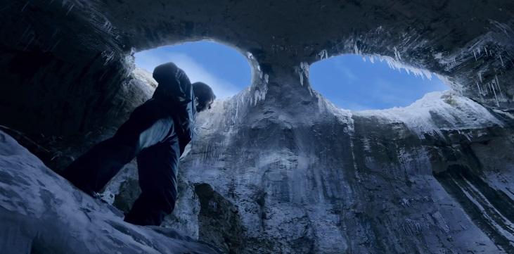 Ajay Devgn presenta il trailer di Shivaay, versione bollywoodiana di Cliffhanger