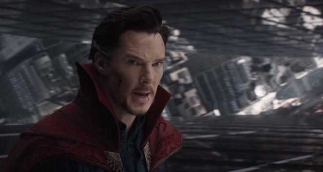 Scott Derrickson parla della magia di Doctor Strange e della prova di Benedict Cumberbatch
