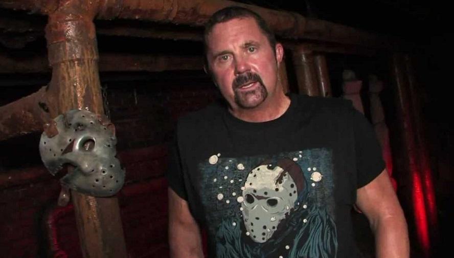 Kane Hodder protagonista del mostruoso Witchula di Marcus Bradford