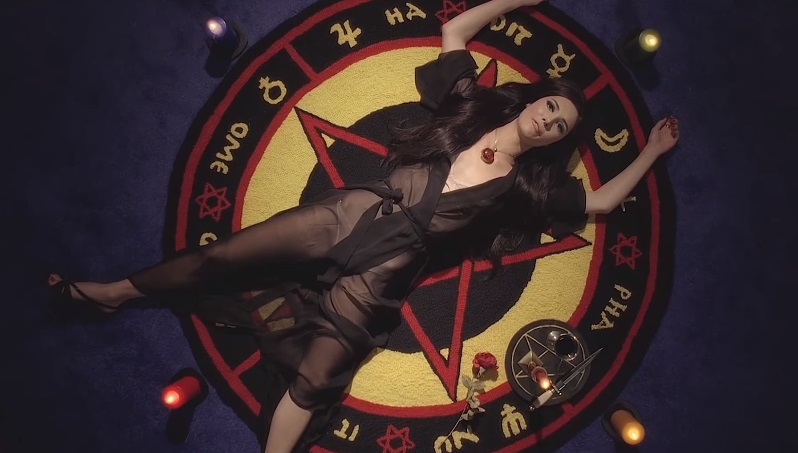 the love witch biller