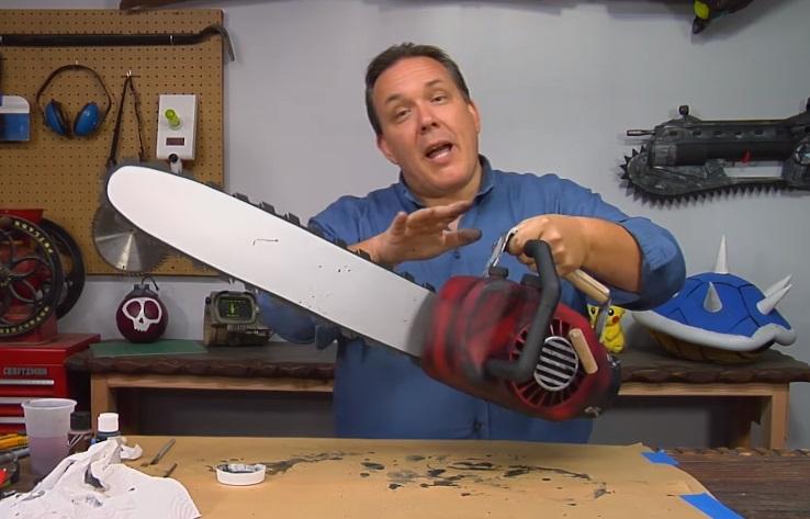 La Casa: come realizzare 'fai da te' la motosega da mano di Ash