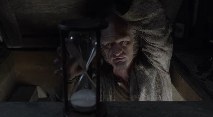 Una Serie di Sfortunati Eventi: Olaf tormenta gli orfani Baudelaire nel full trailer della serie di Netflix