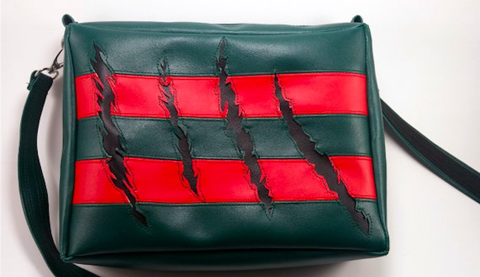 Passeggiate da incubo con la borsa graffiata da Freddy Krueger