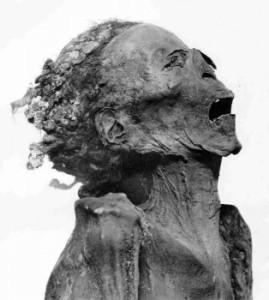 Misteri archeologici - la mummia che grida