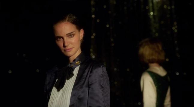 Planetarium: nel trailer italiano Natalie Portman e Lily-Rose Depp evocano gli spiriti