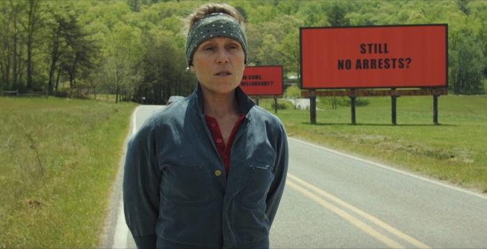 Tre Manifesti a Ebbing, Missouri: poster e trailer red band per il thriller con Sam Rockwell