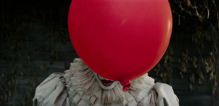 IT: Pennywise emerge dalle fogne nel primo trailer del film di Andrés Muschietti