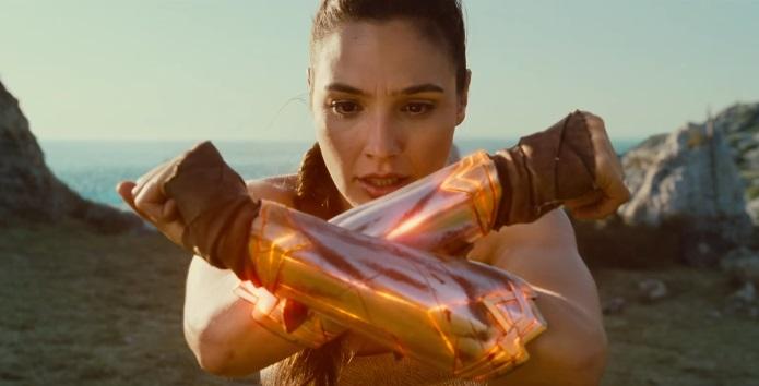 Wonder Woman: Diana Prince è l'eroina che la Terra aspetta nel nuovo trailer italiano