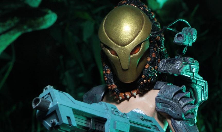 NECA presenta l'action figure di Machiko, primo Predator femmina
