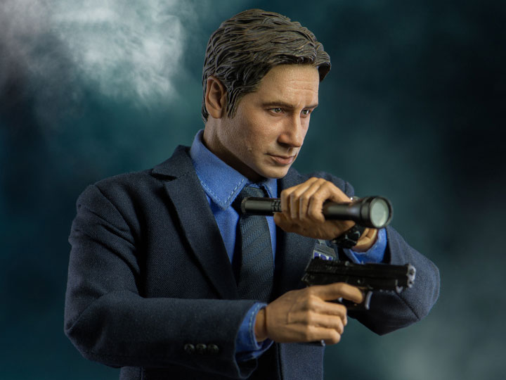 A caccia di X-Files con l'action figure in scala 1/6 dell'Agente Fox Mulder