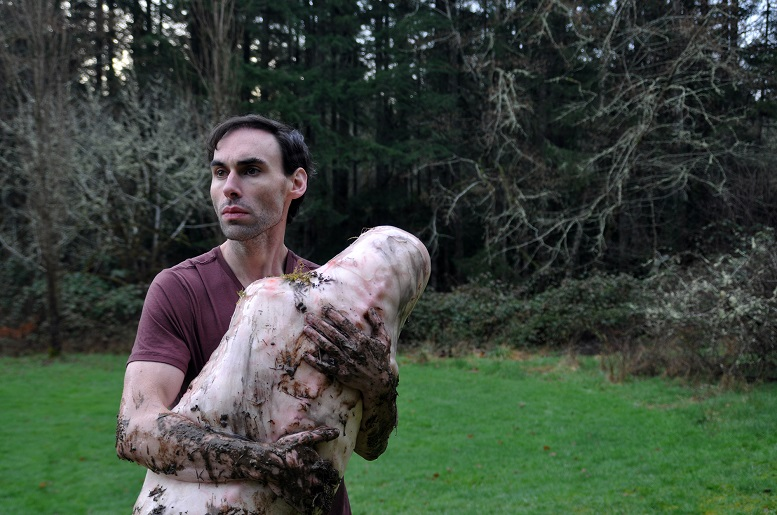 L'ossessione si fa carne nel trailer del body horror Ayla