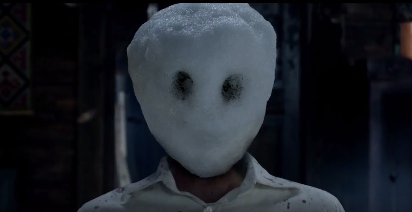 Un serial killer sfida Michael Fassbender nel trailer di L'Uomo di Neve