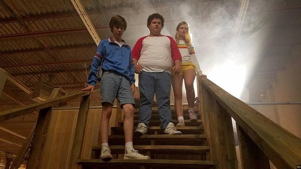 Manciata di immagini dal set per Summer of '84, thriller retrò degli RKSS