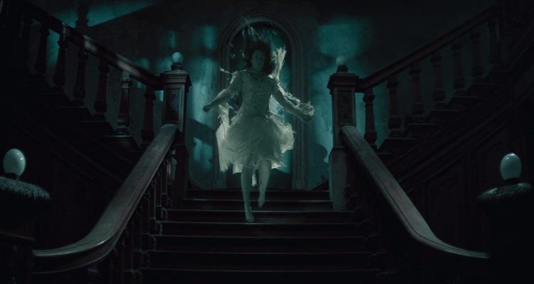 Due gemelli devono fare i conti coi fantasmi del loro castello irlandese nel trailer di The Lodgers