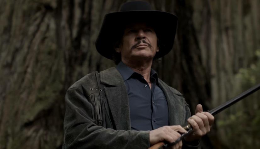 Un pistolero è sulle tracce di un mostro nel trailer di From Hell to the Wild West
