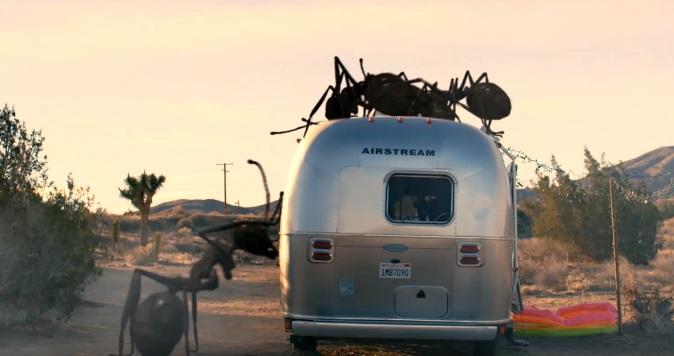 Il trailer di Dead Ant propone un menù a base di heavy metal, peyote e formiche giganti