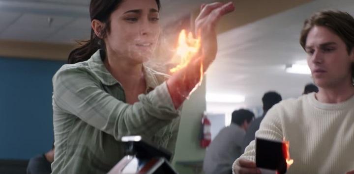 Trailer italiano per Polaroid: una fotografia maledetta costa la vita | Il  Cineocchio