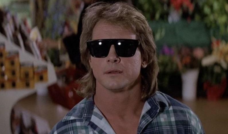 Gli occhiali da sole di Essi Vivono di John Carpenter diventano realtà (e funzionano!)