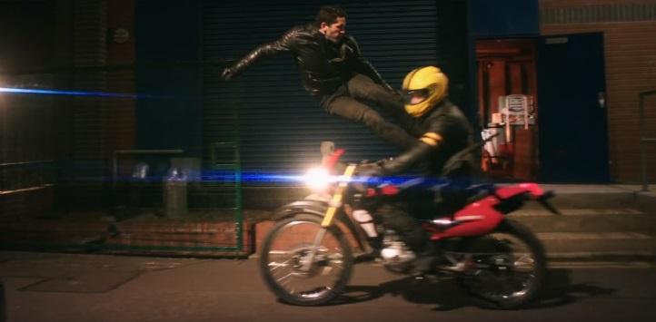 Scott Adkins nel trailer di Accident Man porta in vita il fumetto di culto Toxic!