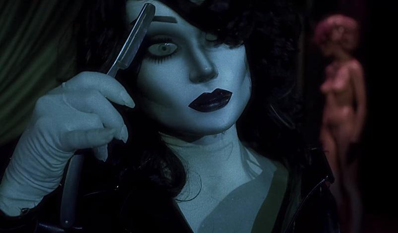 Un assassino guantato uccide modelle nel trailer del giallo anni '80 Mirada de Cristal