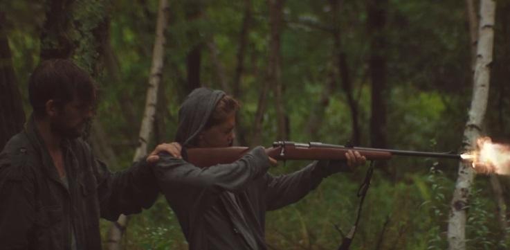 Un omicidio nei boschi spezza il legame tra padre e figlio nel trailer di The Strange Ones