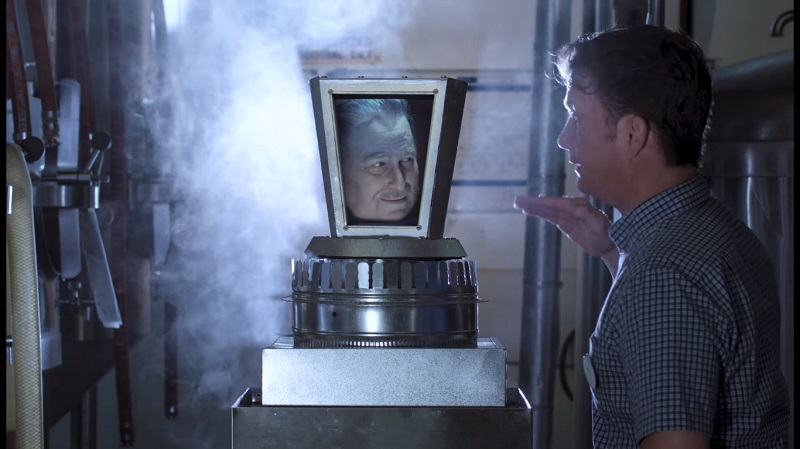 La testa di Walt Disney è viva e disillusa nel trailer di Walt's Frozen Head