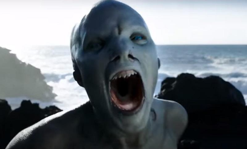 Le creature del mare assaltano il faro nel full trailer di Cold Skin