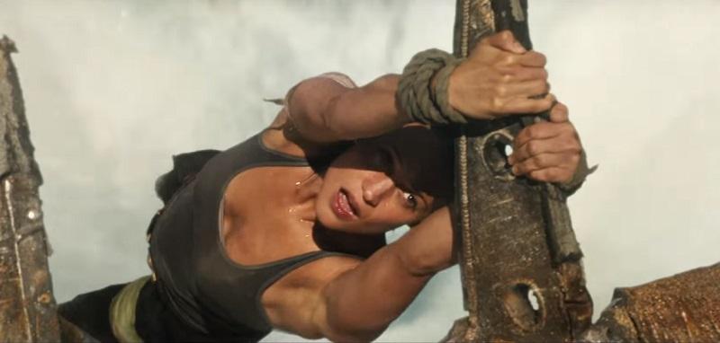Lara Croft combatte e precipita nel secondo trailer italiano del reboot di Tomb Raider