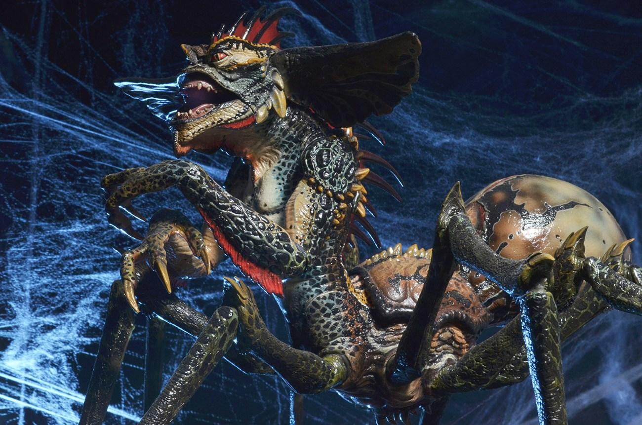 NECA ristampa il gigantesco Spider Gremlin dopo anni di attesa