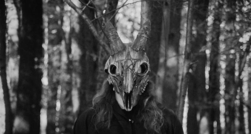 Cortometraggio   L'Oscuro Signore emerge dai boschi in The Temple of Lilith