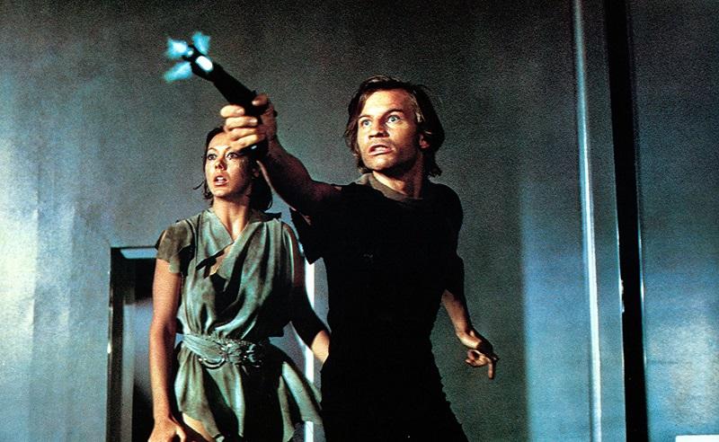 Simon Kinberg è il regista del remake di La Fuga di Logan